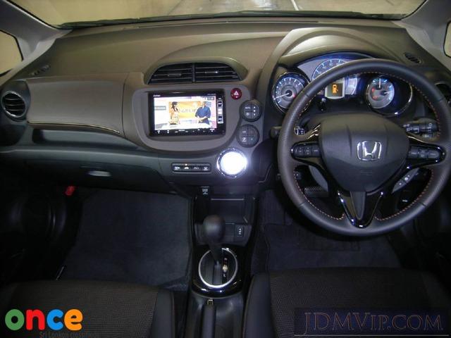 Honda Fit hybrid Rent in Sri Lanka